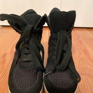 Steve Madden Black Sneaker Wedge